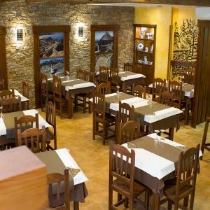 albergue-castro-fondo-restaurante-01