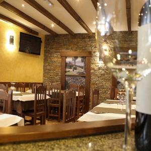 albergue-castro-fondo-restaurante-05