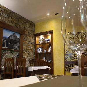 albergue-castro-fondo-restaurante-06